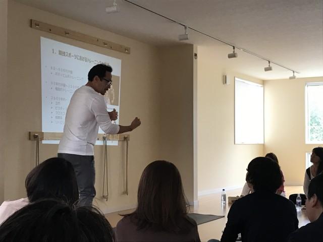 セミナー「トレーニングとアスリートヨガ」(友岡和彦先生)